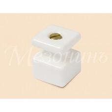 Изолятор кабельный с саморезом ТМ МезонинЪ GE80027-01, цвет белый