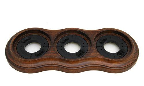 Рамка трехместная наружная Lindas 25363, цвет орех лакированный